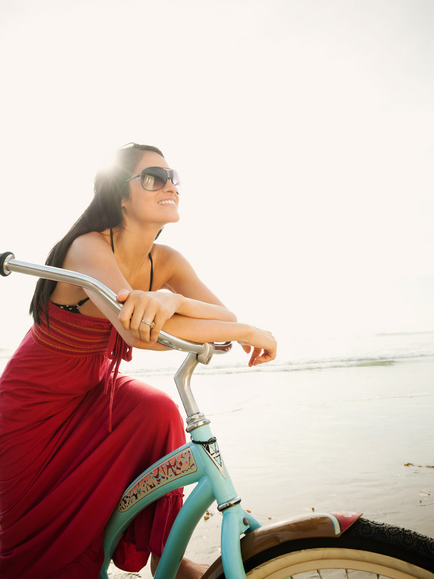 woman_beach_cruiser